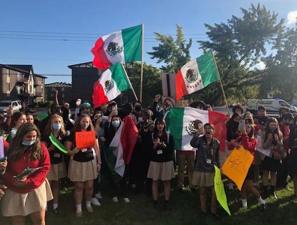 Escuela se disculpa por sus estudiantes racistas
